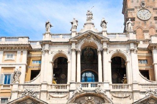 facciata edificio di pregio storico-artistico