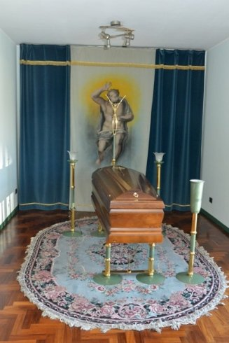 allestimento camera ardente, servizio funebre, paramenti funebri