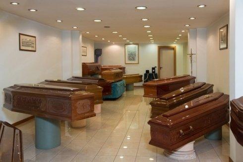 vetture funebri, servizi per funerali, camere ardenti