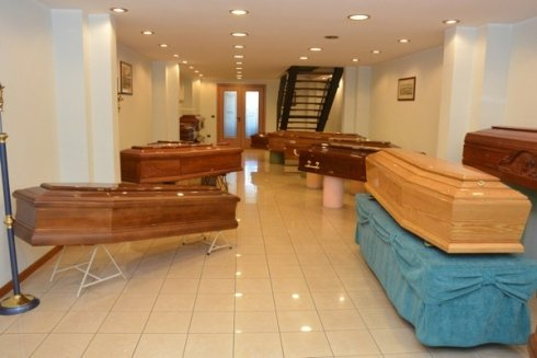 vendita cofani, agenzia funebre, organizzazione funerali