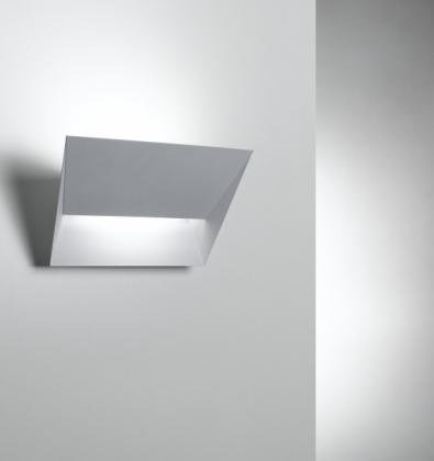 LAMPADE PARETE VERONA
