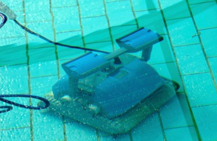pulitori automatici per piscine