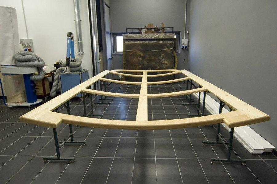 costruzione di un telaio concavo in legno