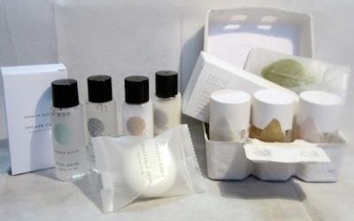 set di cortesia di prodotti cosmetici