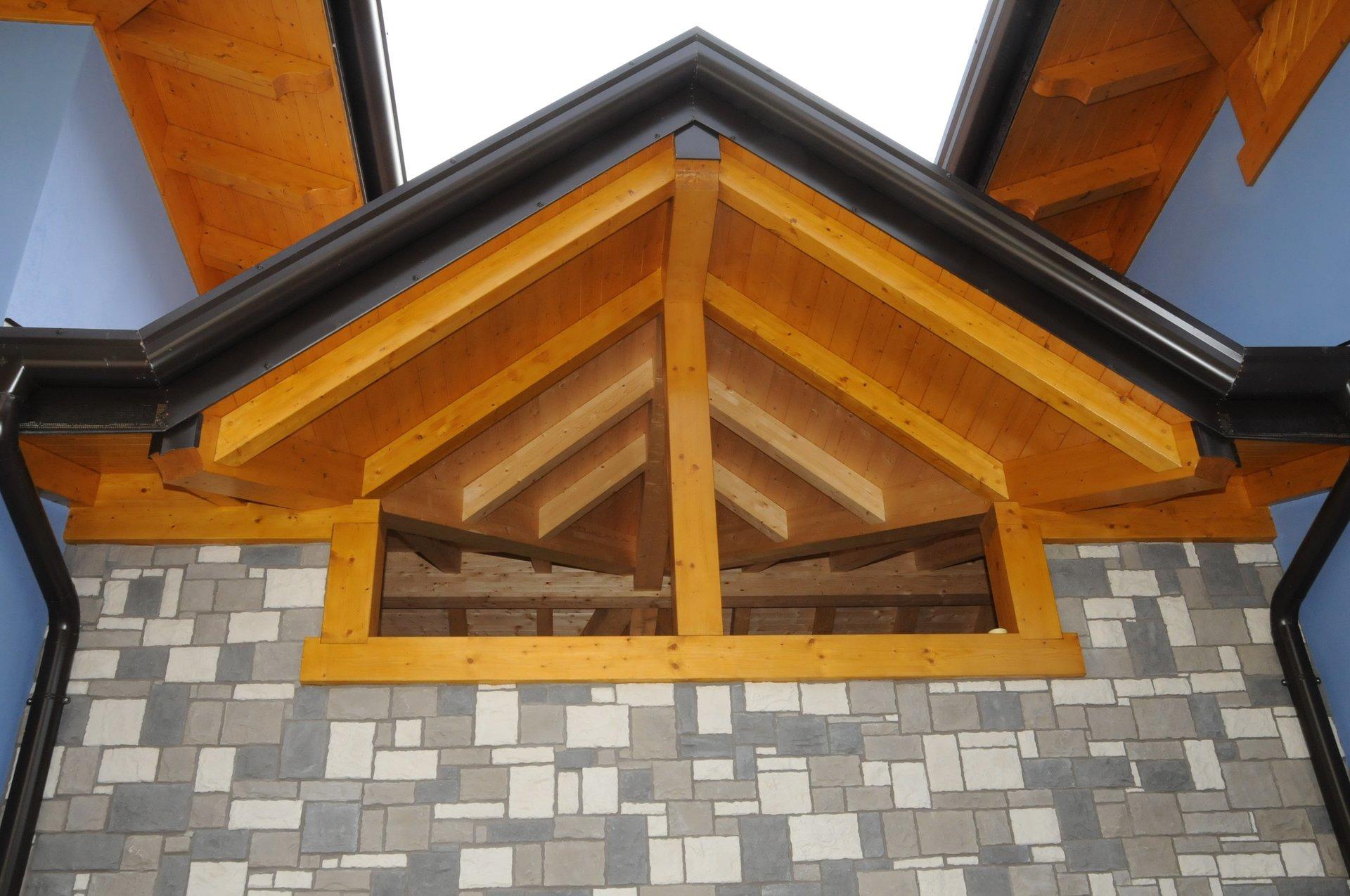 montaggio copertura in legno