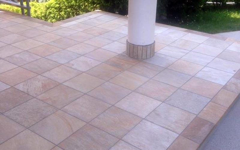 Pavimentazioni per verande esterne: piastrelle carrabili da