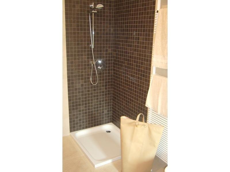 Rivestimento mosaico in doccia