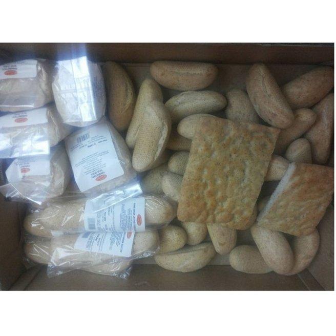 dei cracker e del pane senza glutine