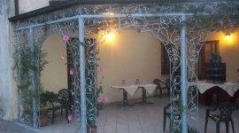ristorante con giardino, dehor esterno, giardino privato