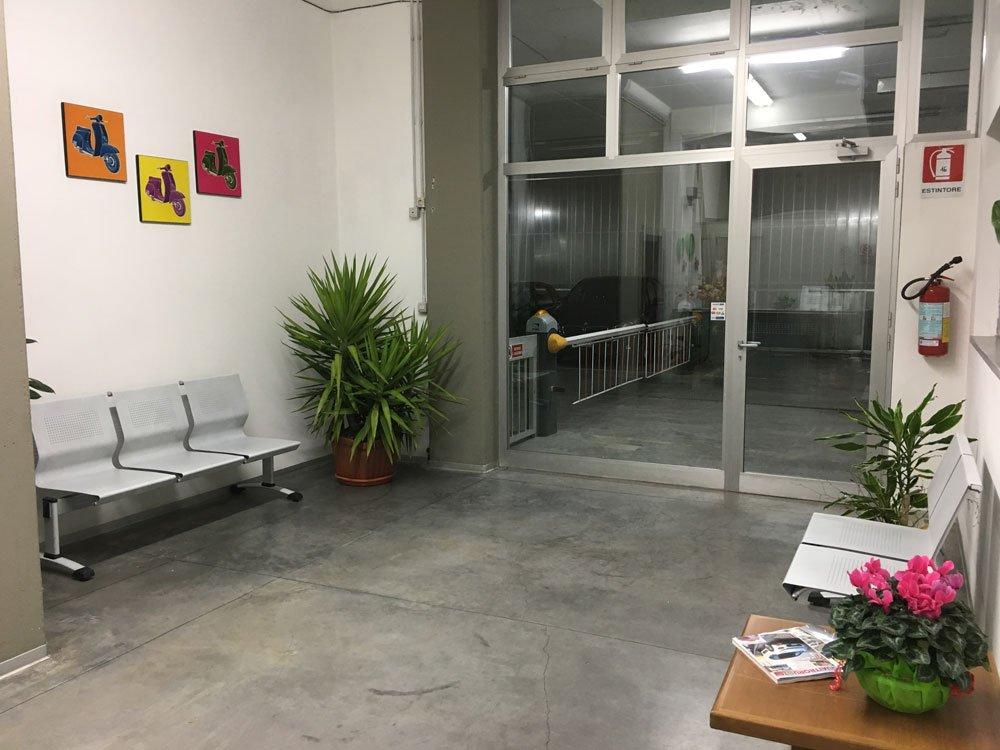 elegante sala d'ingresso dell'officina