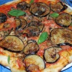 pizza con verdura, pizza napoletana, consegna a domicilio