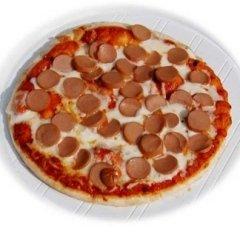 pizza con wurstel, wurstel, forno a legna