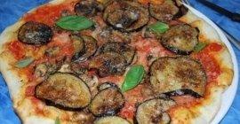 pizza con melanzane, pizza funghi e melanzane, pizza pomodoro e melanzane