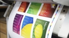 stampante durante stampa di calendario