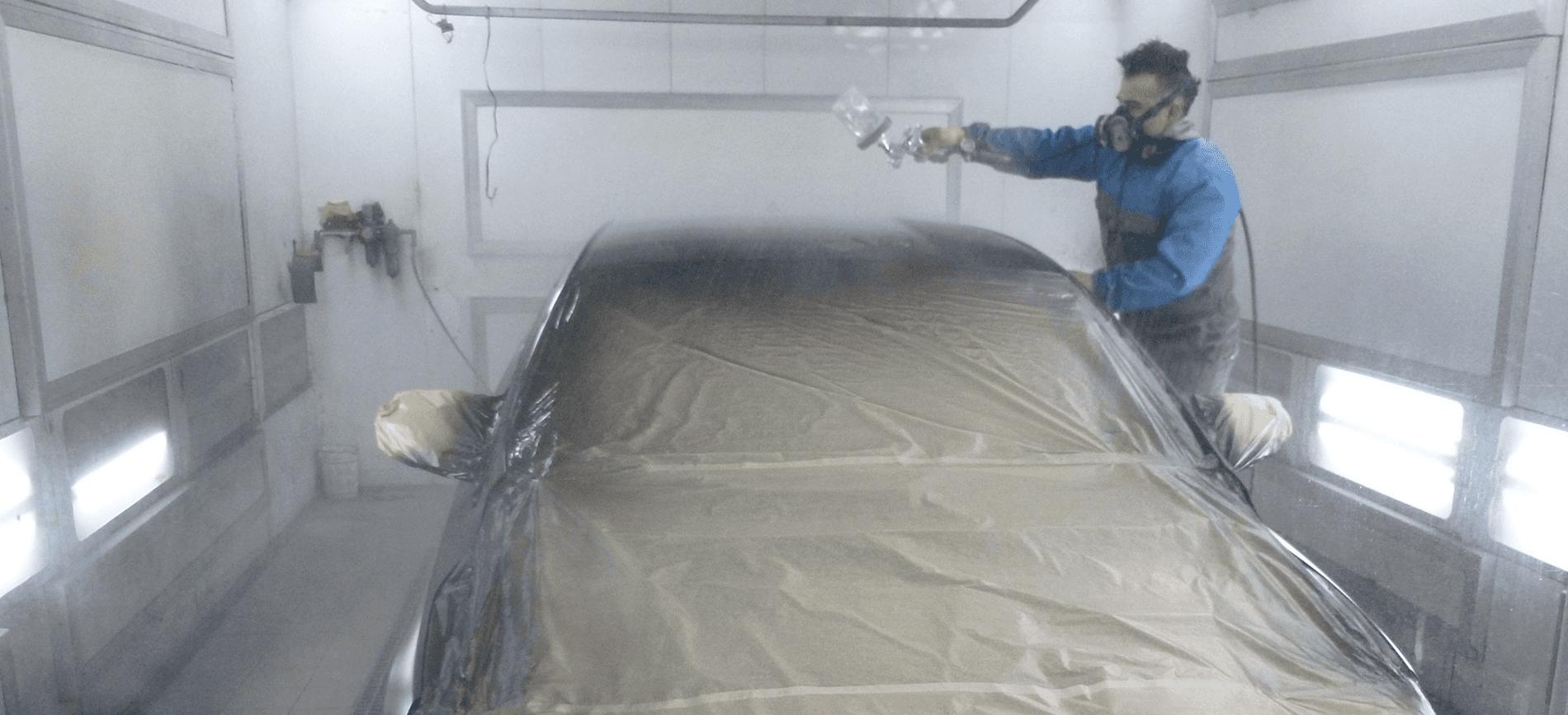 carrozziere che pittura macchina