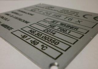 targa identificativa per macchinari