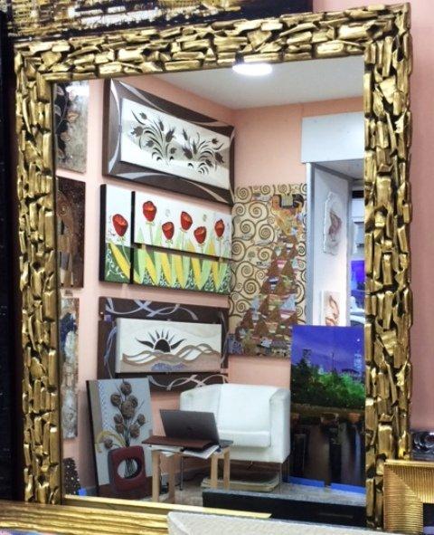 Specchio con cornice contemporanea oro