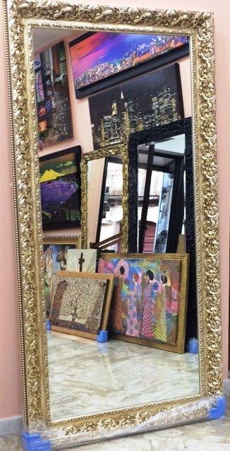 Specchio classico con cornice oro