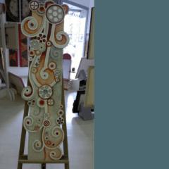 ncsione su pietra con pittura a rilievo