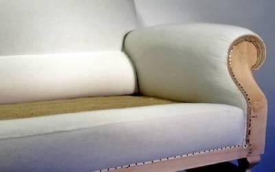 Modellatura e ricopertura braccioli in tela di cotone