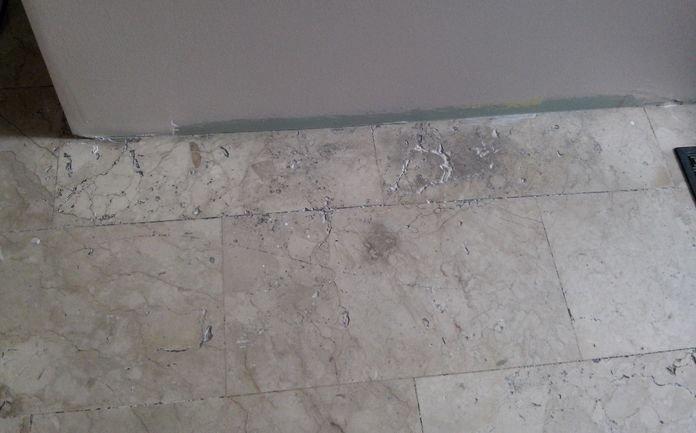 Androne pavimento marmo prima del trattamento
