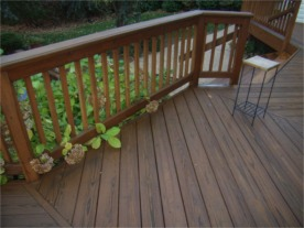 cleaning wood decks, stained decks, cedar, mold