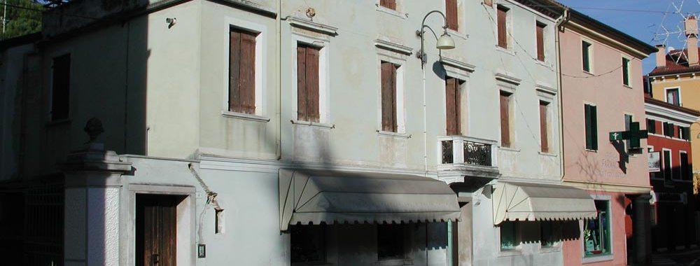 delle case in citta'