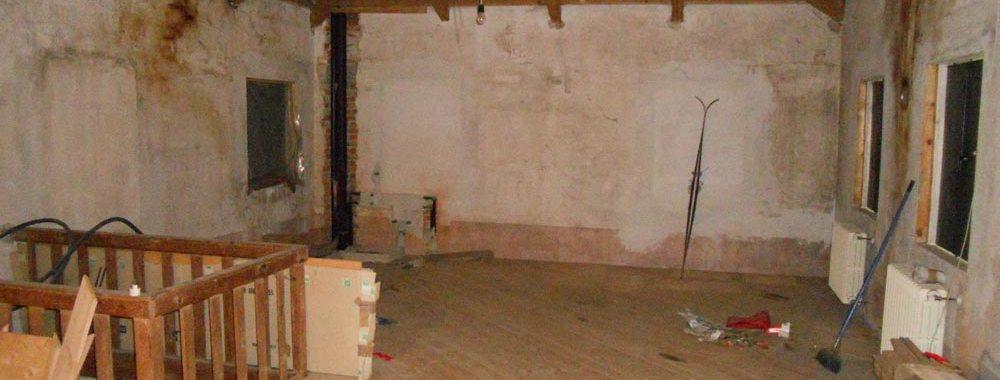 interno di una casa in ristrutturazione