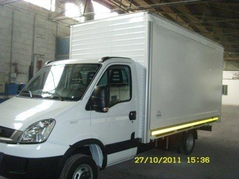 furgone in alluminio con fianco scorrevole