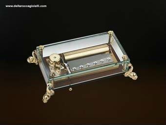 una cassa armonica di un carillon