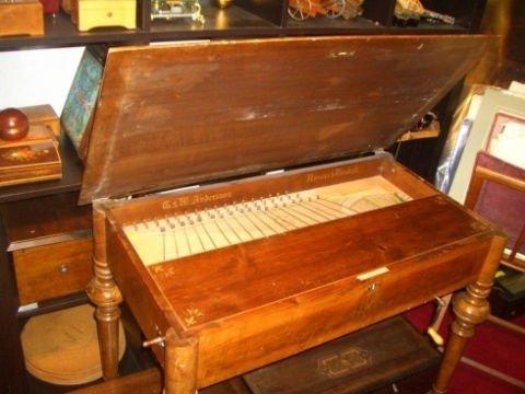 Strumento musicale in legno