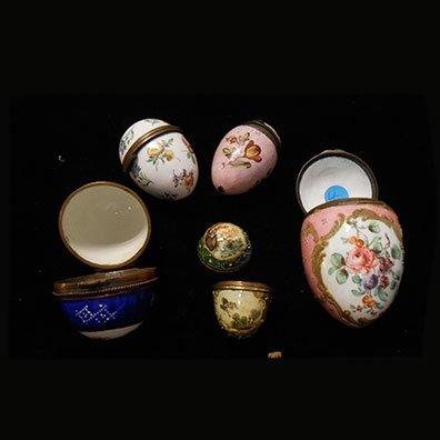 uova di porcellana
