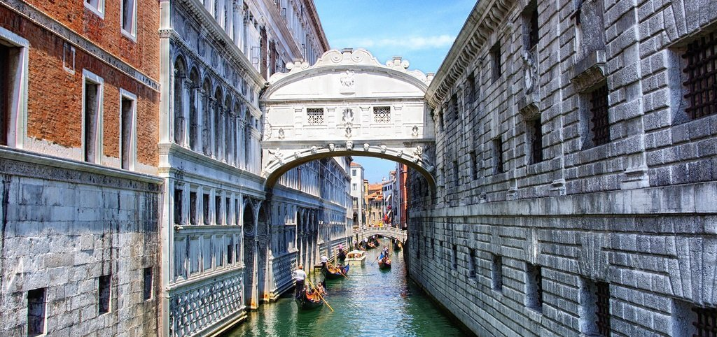 The Bridge of Sighs, which can also be visited from the inside