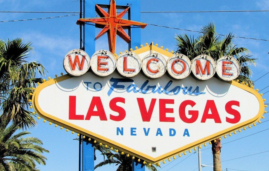 Welcome to fabulous Las Vegas - sign
