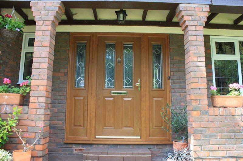Front-Door-wiith-Sidelights