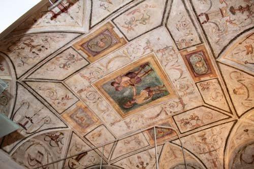 soffitto con affreschi rinascimentali