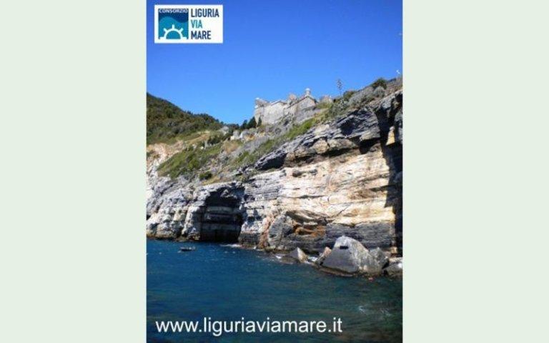 Cinque Terre boat day trips