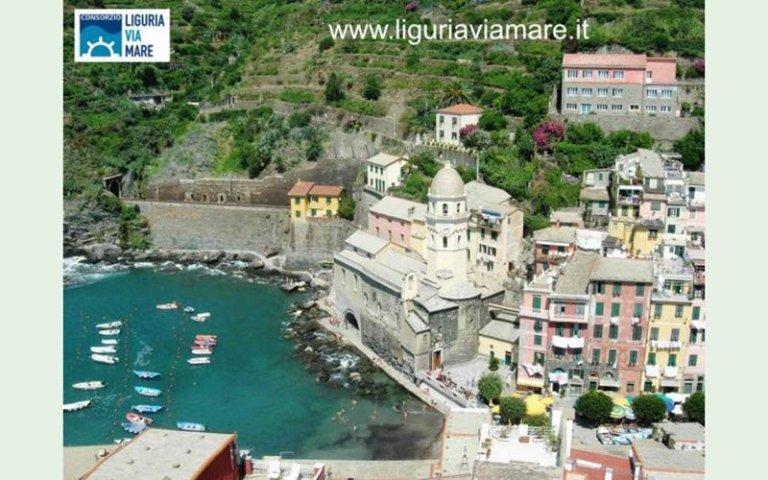 Vernazza boat trip