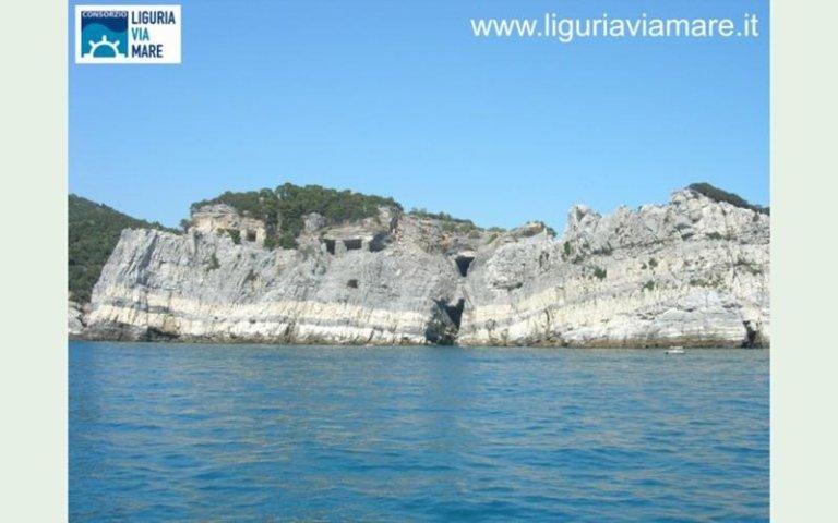 Riomaggiore boat trips