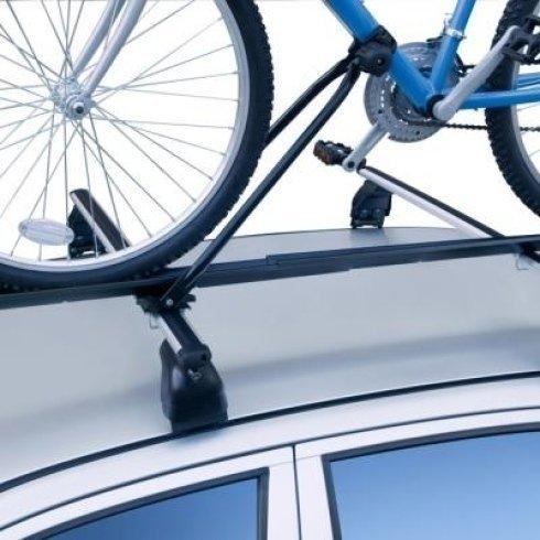 La ditta vende porta biciclette per automobili