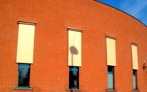 tende a caduta e da finestra