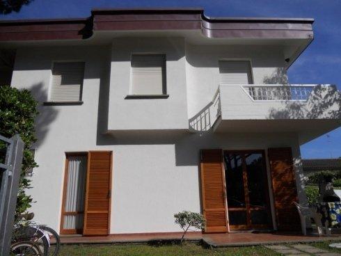 villa su due piani