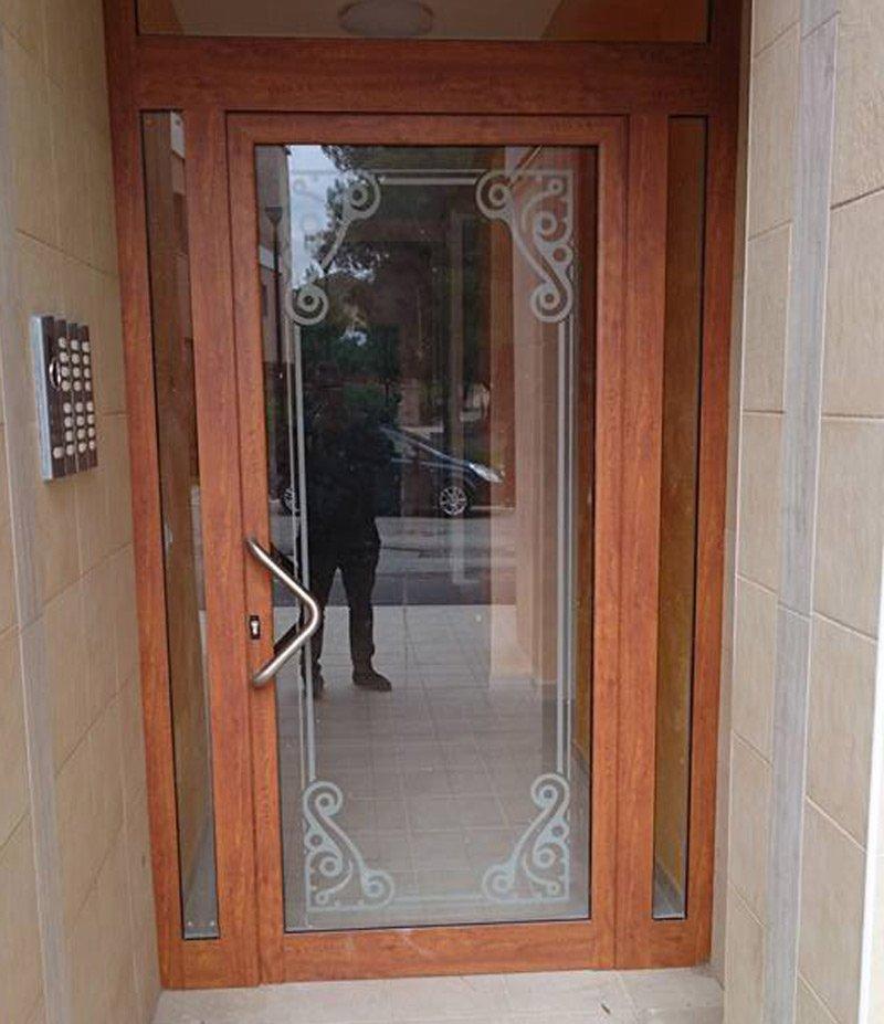 porta di entrata in legno