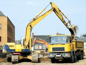 insurance-work-ely-cambridgeshire-ben-warren-building-services-ltd-digger-loading-truck