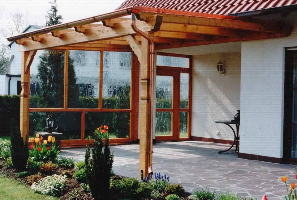 Vordach aus Holz und Glas von Stefan Lutz Überdachung