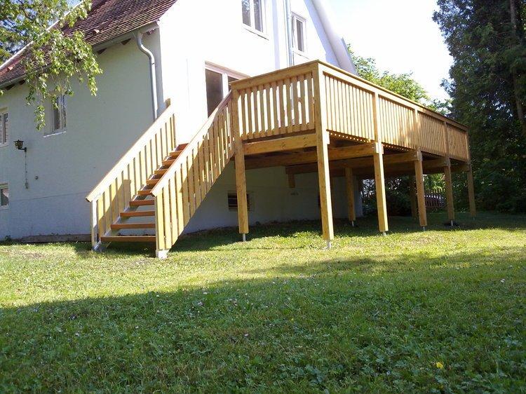 balkon dach holz kreative ideen f r innendekoration und wohndesign. Black Bedroom Furniture Sets. Home Design Ideas