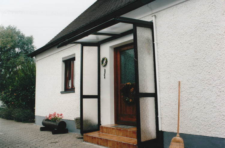 Haustürvordach Mit Seitenteil haustürvordächer und terrassenüberdachungen in münchen