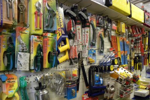 Nel negozio dei F.lli Benassi troverete oggetti vari di utensileria