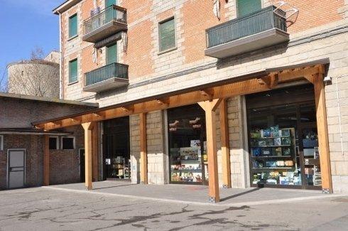 Fratellli Benassi, in provincia di Bologna a Vergato opera nel settore ferramenta