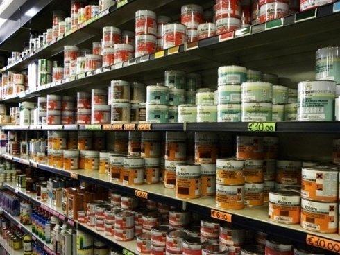 Nel negozio dei F.lli Benassi troverete colori e stucchi